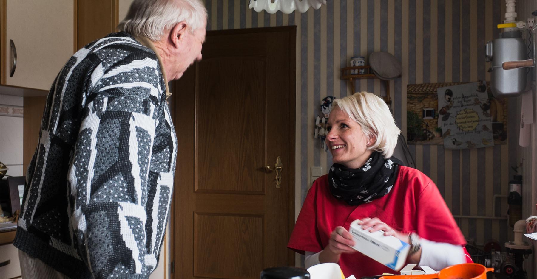 Hauskrankenpflege Dori Gespräch mit Patient